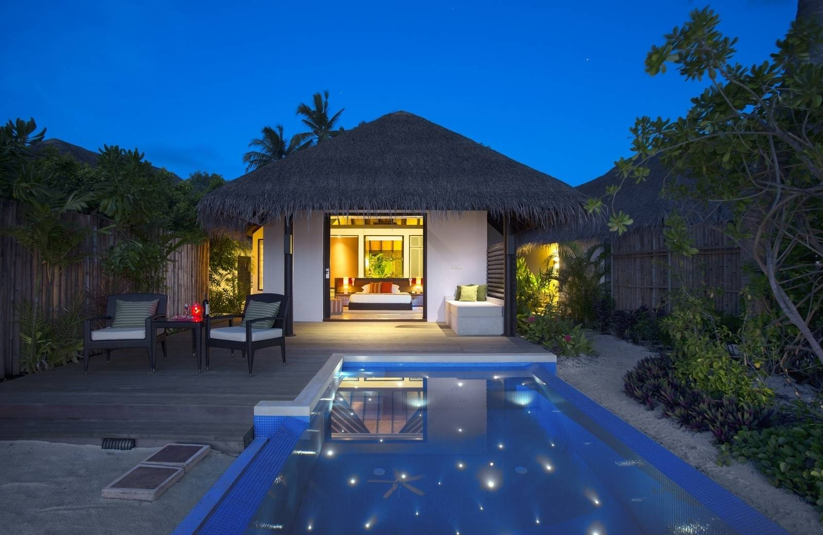 Rezort Velassaru Maldives