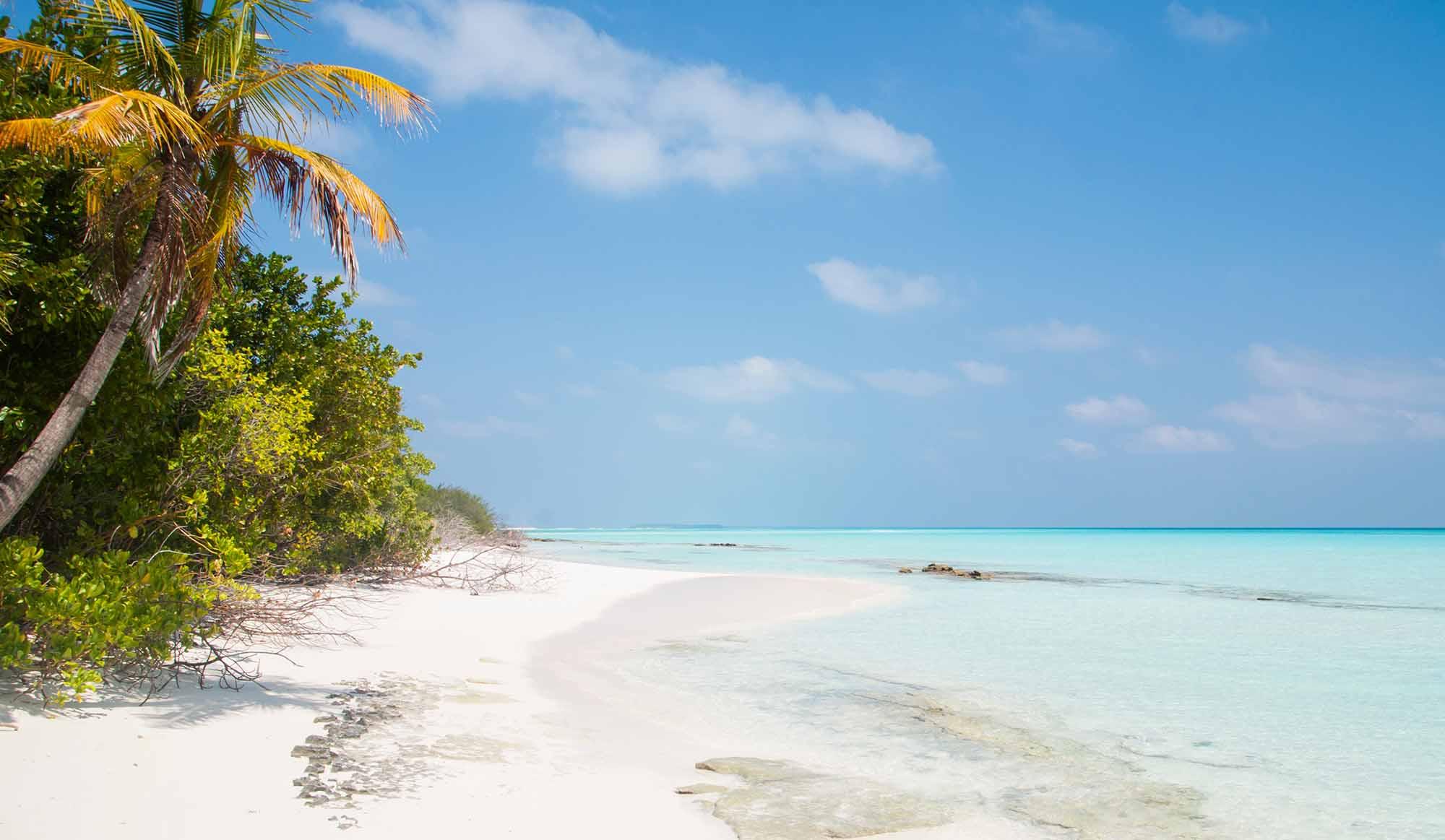Ostrov Fulhadhoo je čiastočne neobývaný